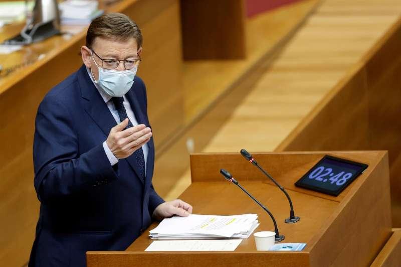 El presidente de la Generalitat, Ximo Puig, interviene en la sesión de control en la Cortes Valencianas.