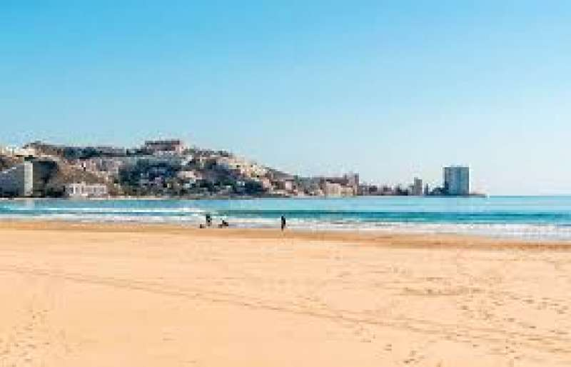 Imagen de archivo playa de Cullera./ EPDA