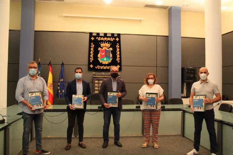 Acto de firma grupo municipal PP, Pspv, Ciudadanos y Compromis. / EPDA