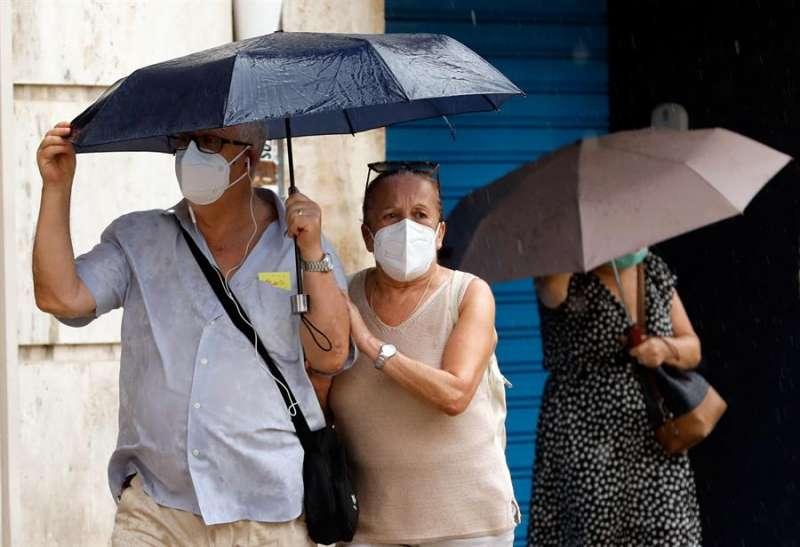 Las precipitaciones más intensas se han registrado en el interior de Valencia, con máximas de hasta 11 litros por metro cuadrado. EFE