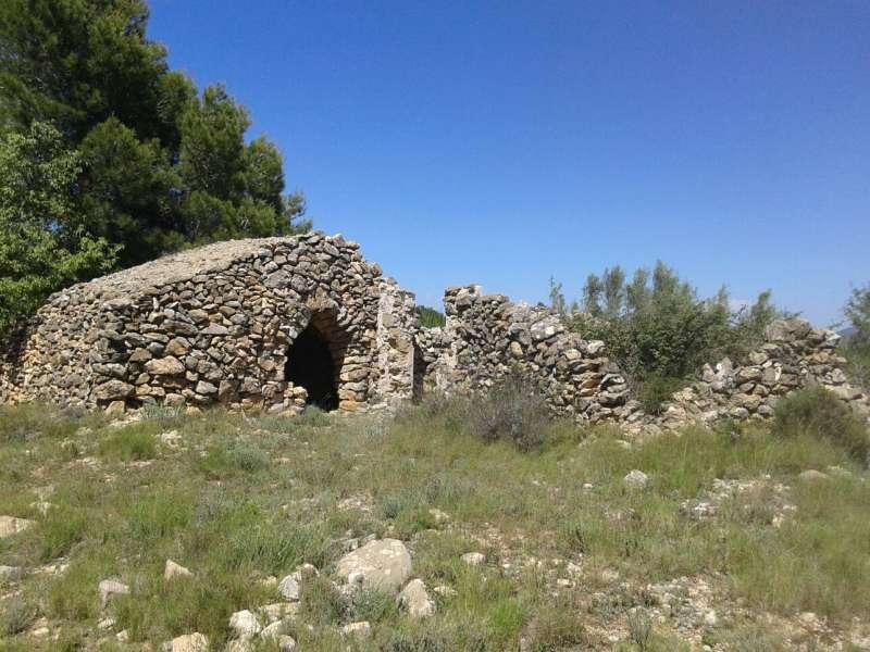 Una de las numerosas construcciones de piedra en seco de Jérica