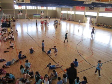 Durante esta semana competirán en el Complejo Deportivo Municipal 1.200 escolares de los colegios CEIP Orba, Mª Inmaculada, IES 25 d?abril, Vamar y Guía. Foto: EPDA.