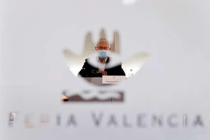 El alcalde de Valencia y presidente del Patronato de Feria Valencia, Joan Ribó, durante la reunión del Patronato. EFE
