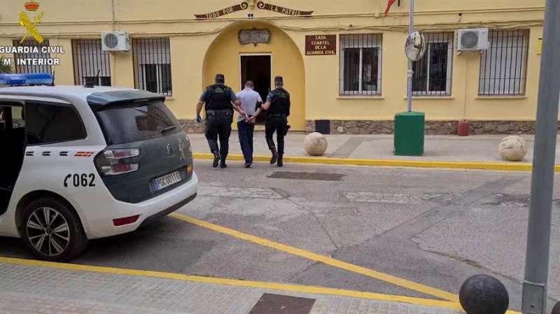 Momento de la operación, en una imagen de la Guardia Civil.