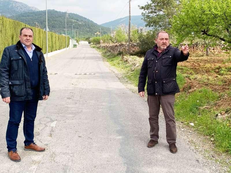El alcalde, Vicente Pallarés, y el teniente de alcalde, Julián Torner, en una visita a la avenida Borriol para programar la actual reforma/EPDA
