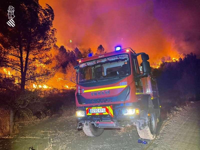 Incendio en Azuébar. EFE