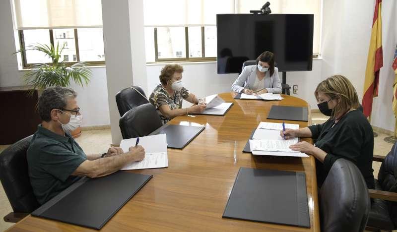 Paiporta signa la pròrroga del conveni amb Cáritas.