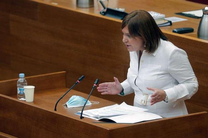 La síndica del PP, Isabel Bonig, durante su intervención en el debate de política general en Les Corts.EFE/ Kai Försterling