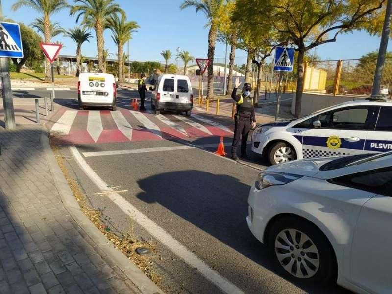 Control de la Policía Local de San Vicente del Raspeig, en una imagen compartida en redes por el Ayuntamiento del municipio.