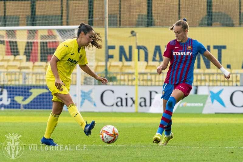 Jugando contra el equipo rival, en una imagen del Villarreal CF