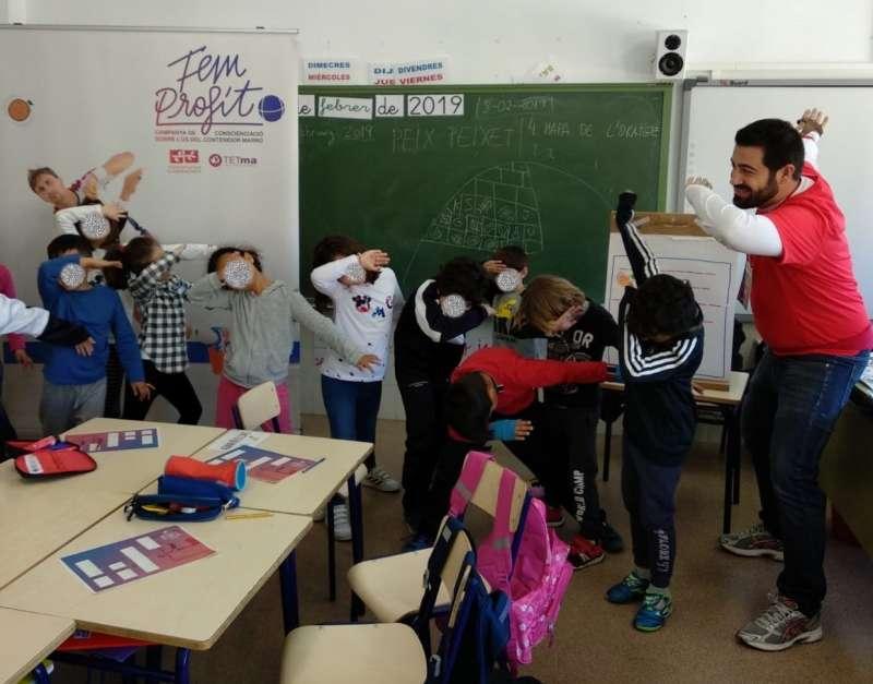 Campanya en els centres educatius sobre el contenidor marró. EPDA