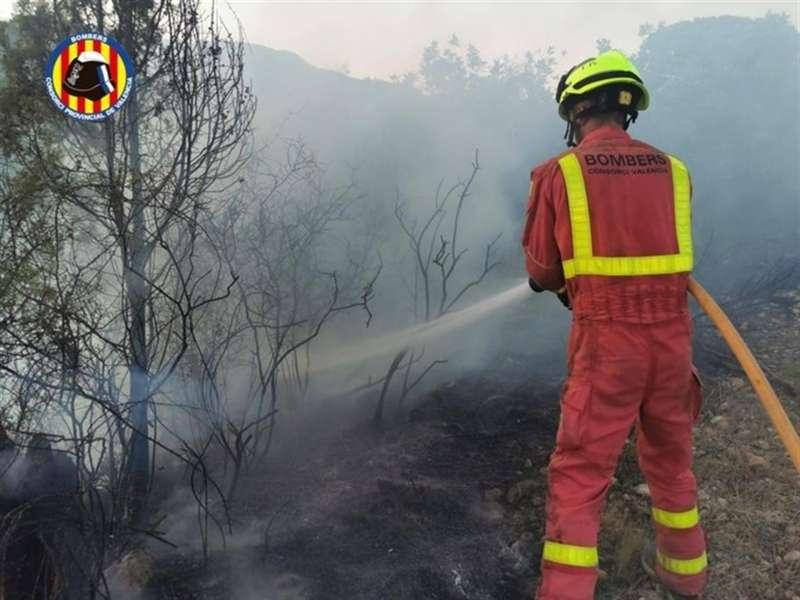 Imagen del incendio de Losa del Obispo publicada por el Consorcio de Bomberos de Valencia
