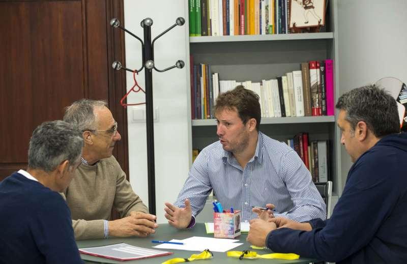 Reunión de Andrés Campos con representantes deportivos de Godella. EPDA