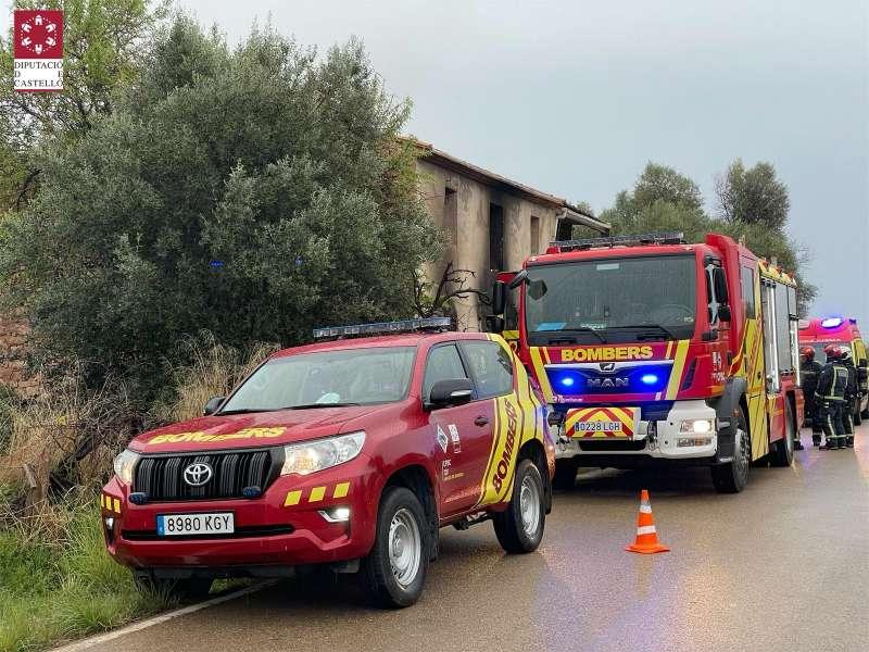 Dos equipos de bomberos en la búsqueda. Foto. Archivo