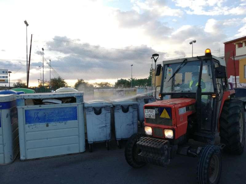 Tractor desinfectan Covid-19