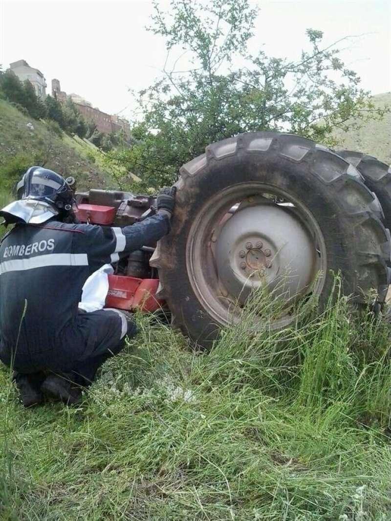Fotografía de un accidente con su tractor. EFE/Archivo