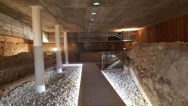 Restos de una muralla del siglo XII en la sede de la Delegación de Gobierno de la Comunitat