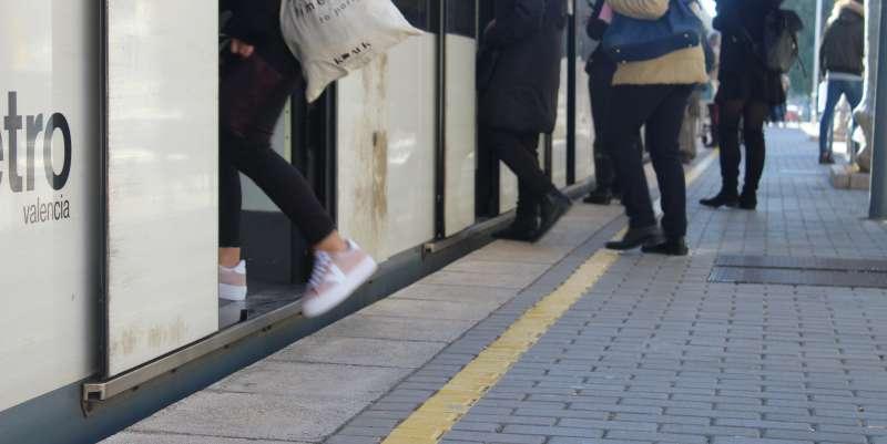 Acceso al metro a su paso por Almàssera. EPDA