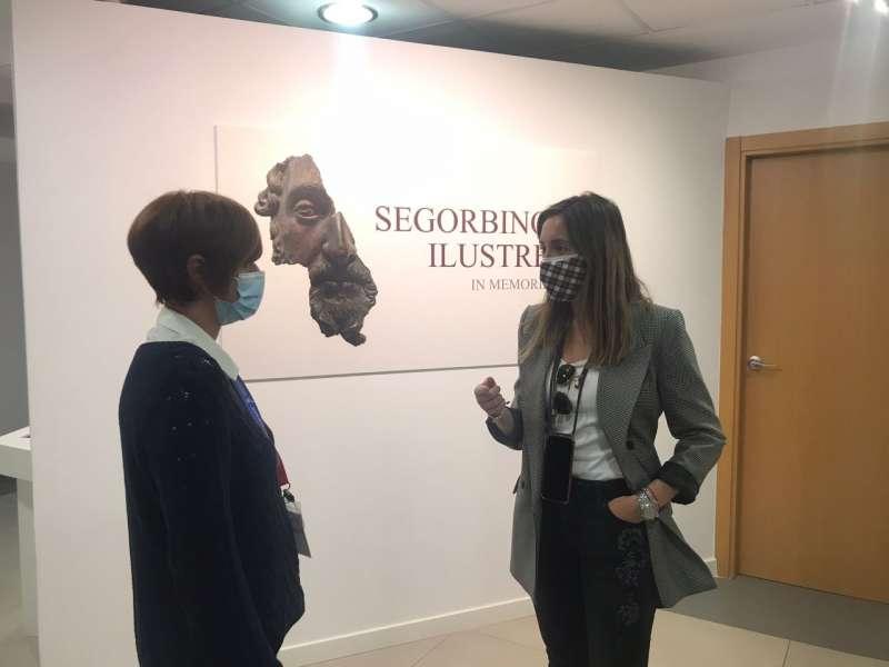 La concejala de Turismo, Ángeles Gómez en el museo