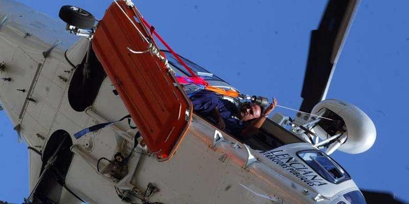 Un helicóptero medicalizado lo recogió