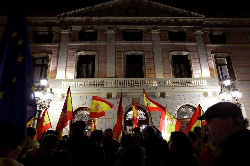 Banderas de España en una concentración. EFE/Archivo