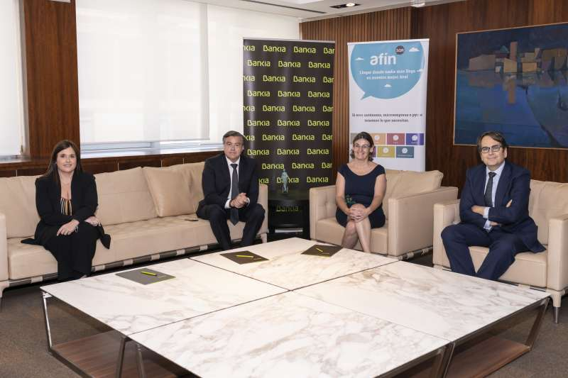 Reunión acuerdo entre Bankia y Afin SGR./ PDA