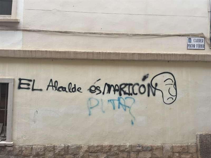 Pintada vandálica en el municipio de l