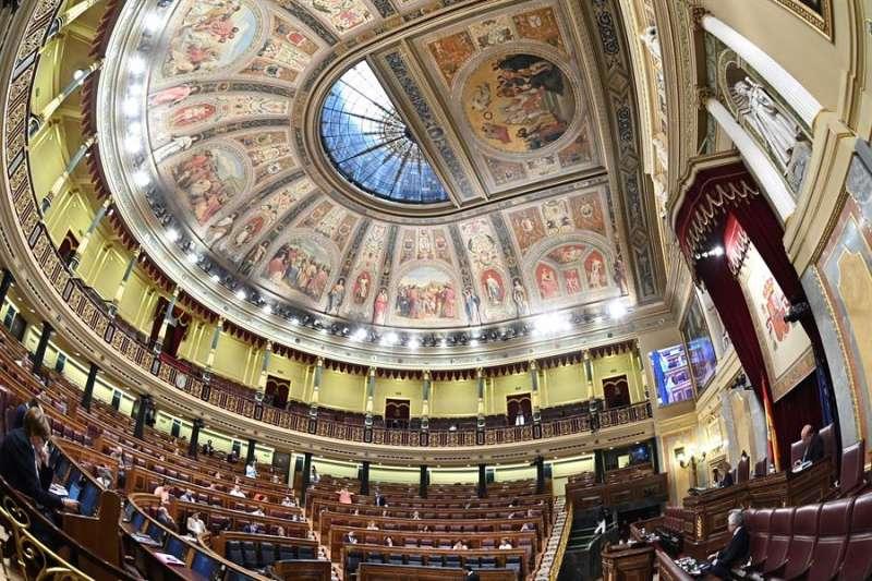Vista general del hemiciclo durante el pleno del Congreso de los Diputados este martes en Madrid. EFE/Fernando Villar/Archivo
