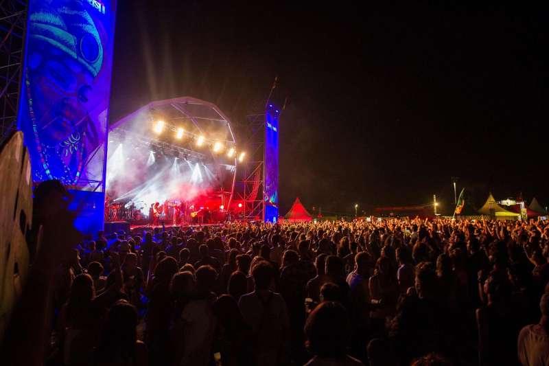 El cantante Macaco, en el escenario principal del Festival Rototom Sunsplash de Benicàssim.