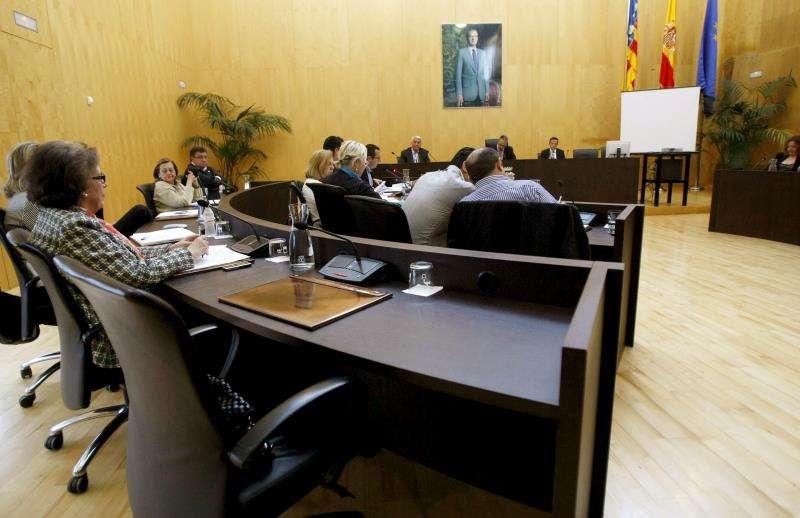 El ayuntamiento de Benidorm reunido en pleno, en los años de las contrataciones denunciadas. EFE/Archivo