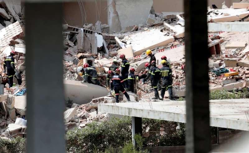 El edificio derrumbado en una urbanización de Peñíscola (Castellón).