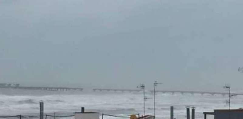 Estado actual del Pantalán tras el nuevo derrumbe durante el temporal de este fin de semana. EPDA