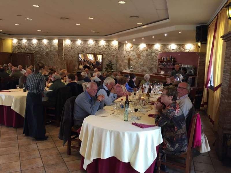 Los jubilados de Nàquera en  la comida de Navidad. //EPDA