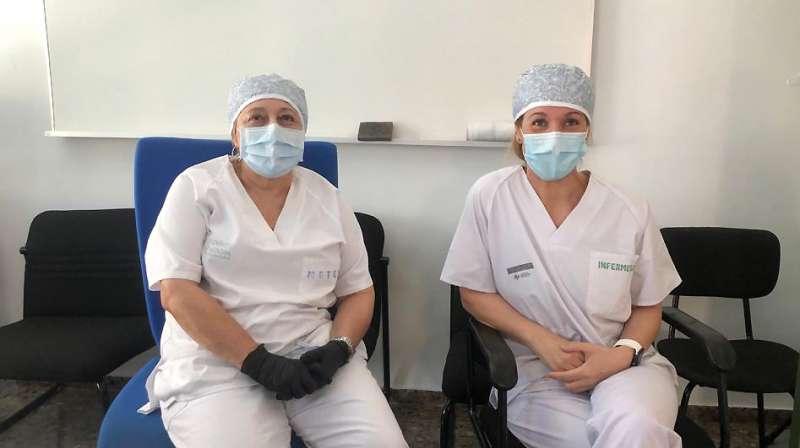 Rosa y Carolina en Centro Salud. EPDA