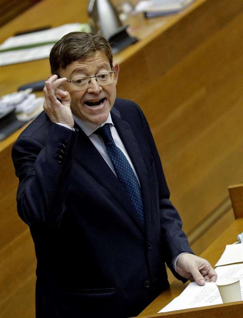 El president de la Generalitat, Ximo Puig, responde en el pleno de Les Corts Valencianes. EFE