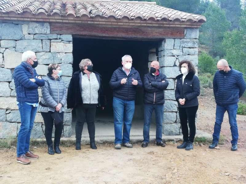 La alcaldesa y miembros de Bosquecillo en la inauguración