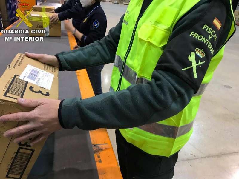 Guardia Civil durante la operación / Guardia Civil de Valencia