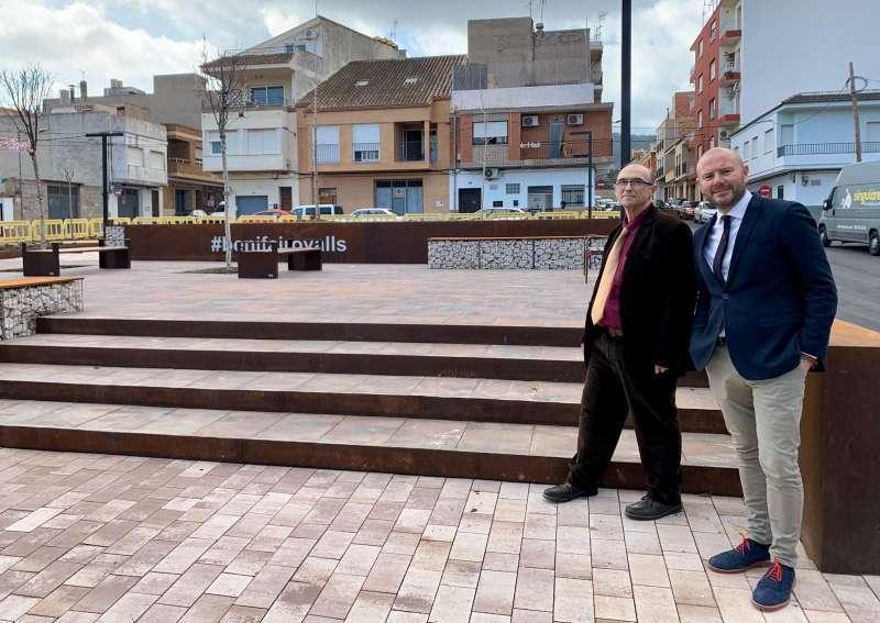 El alcalde de Benifairó con el presidente de la Diputación y alcalde de Faura.