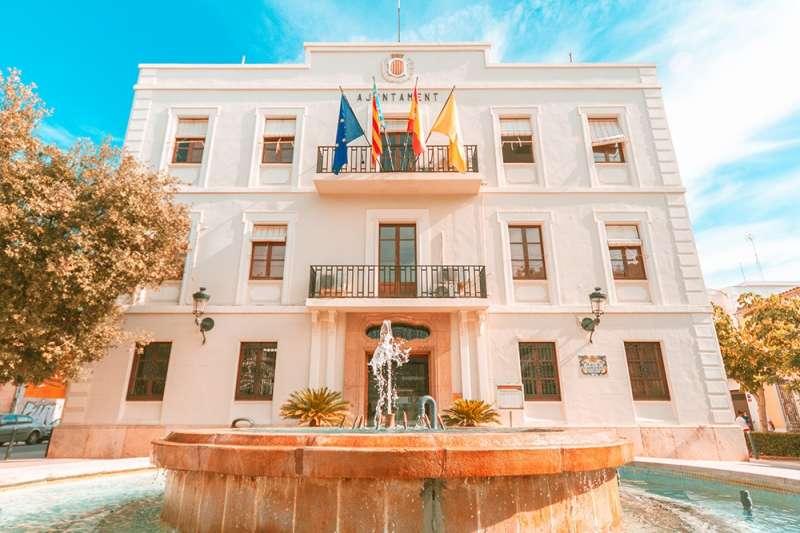 Fachada del Ayuntamiento de Benetússer.