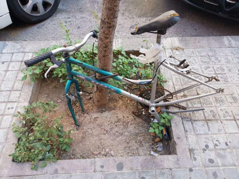 Bici en Benimaclet. B. BUENO