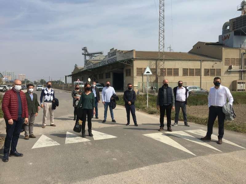 Varios cargos públicos del PP durante la visita. EPDA