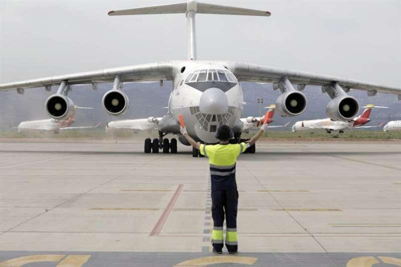 Avión aterrizando en el Aeropuerto de Castellón