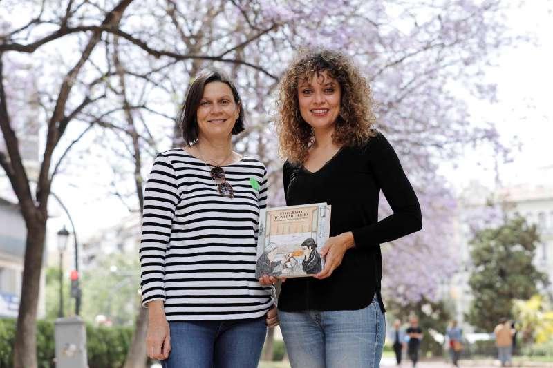 Isabel Gadea (d) y Mª José García, autoras del libro