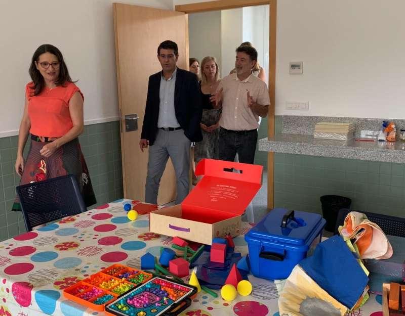 La vicepresidenta y consellera de Igualdad, Mónica Oltra, visita la residencia para personas con diversidad funcional de Ontinyent. EPDA