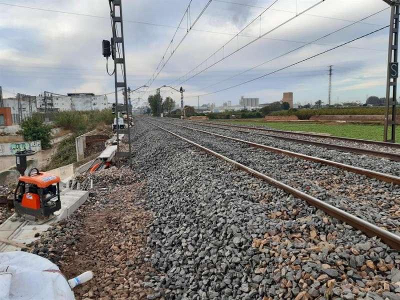 Vía ferroviaria restablecida, en una imagen facilitada por Adif.