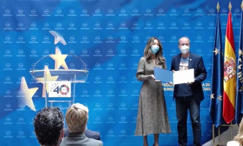 Diego Gómez rep el premi a Madrid./EPDA