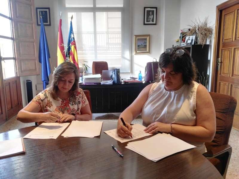 Firma entre Zamora y García